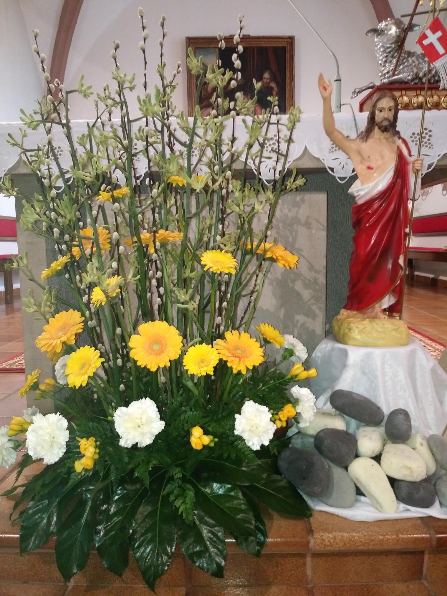 e4c8a41f4 Kostoly. Kvetinová výzdoba ...